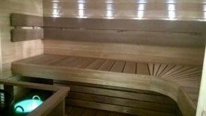 Valguslahendus saunas